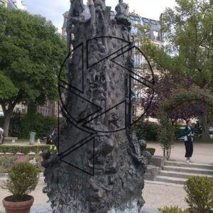 Robinier du Square Viviani