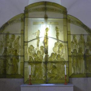 Skleněný oltář (2014)